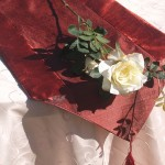 Asztali futó - bordó selyem terítő