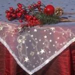 Karácsonyi asztalterítő bordó - csillagos fehér organzával