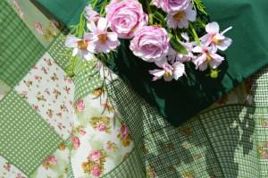Asztalterítő - zöld, folton-folt mintás