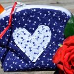 Kis piperetáska - kékfestő, apró virágos