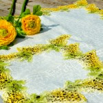Asztalközép terítő - Orgonás, sárga mintával