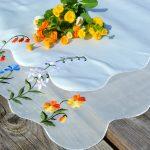 Asztalközép terítő - tavaszi százszorszépek