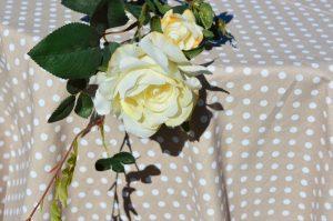 Asztalterítő drapp pöttyös - drapp, fehér pöttyös