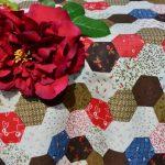 Folton folt terítő - piros patchwork garnitúra