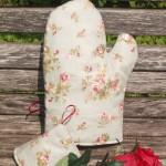 Halványzöld alapon rózsás edényfogó kesztyű/a