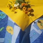 Asztalterítő garnitúra: kék - sárga pipacsos