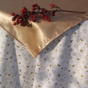 Fehér karácsonyi asztalterítő - arany holdas