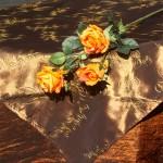 Asztalterítő - barna taft barna hímzett középpel