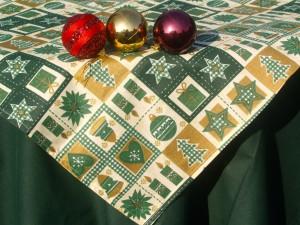 Zöld mintás karácsonyi asztalterítő
