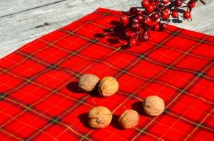 Skótkockás karácsonyi asztalközép