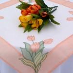 """Asztalközép terítő - """"Zsuzsanna tulipános kertje"""""""