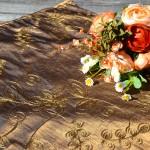 Asztalközép - barna színű, hímzett