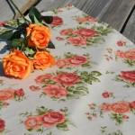 Rózsás terítő rusztikus - nyers színű asztalközép