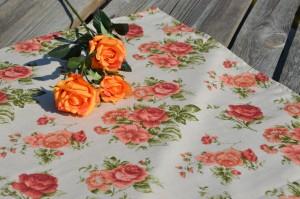 Rózsás terítő - Rusztikus rózsás asztalközép