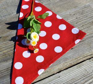 Textil szalvéta pöttyös, piros - fehér pöttyös