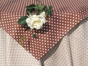 Drapp pöttyös garnitúra - fehér pöttyökkel