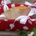 Piros-fehér pöttyös kenyérkosár