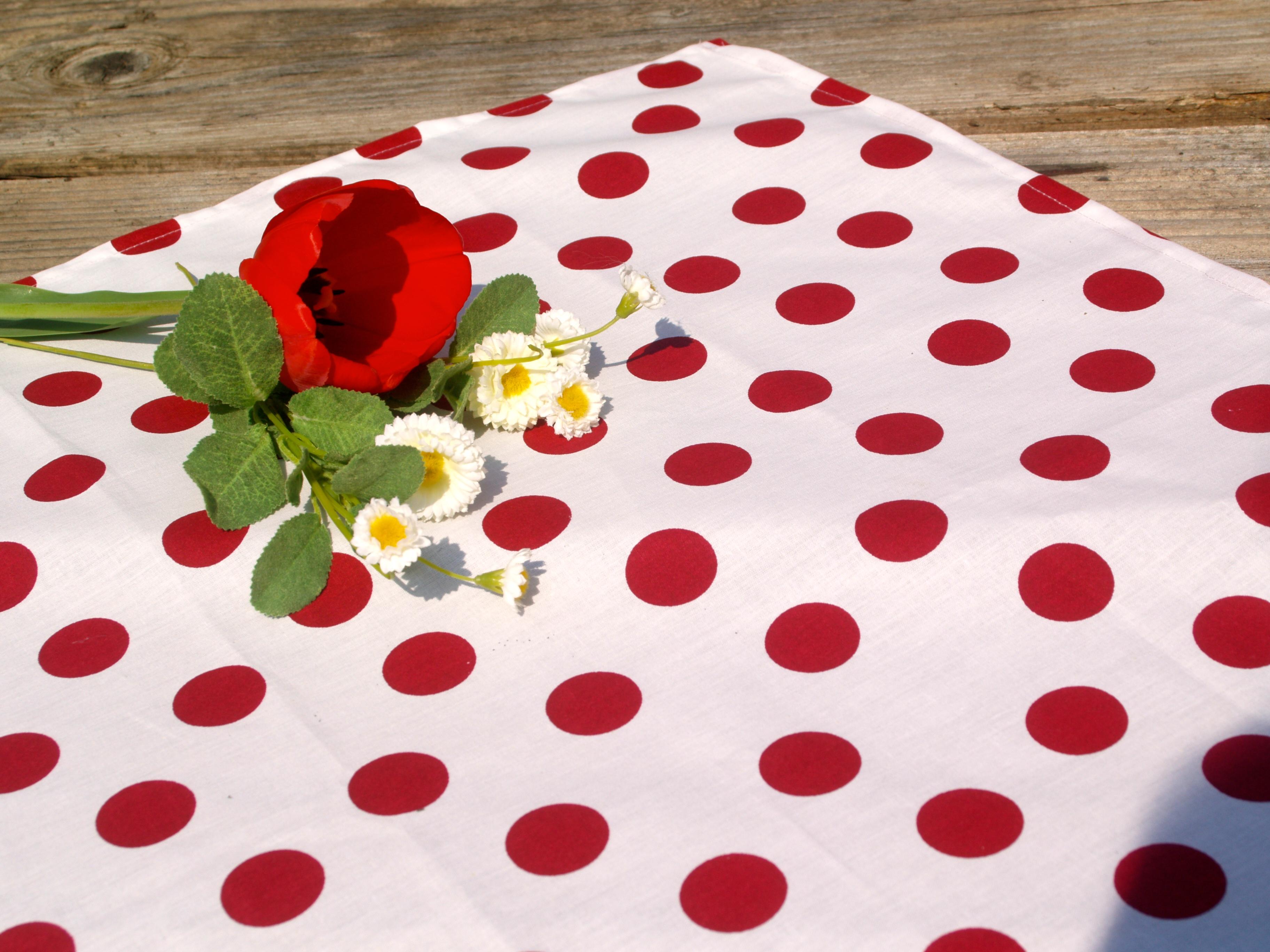 Piros terítő egyszínű pamut asztalközép Evidensbolt