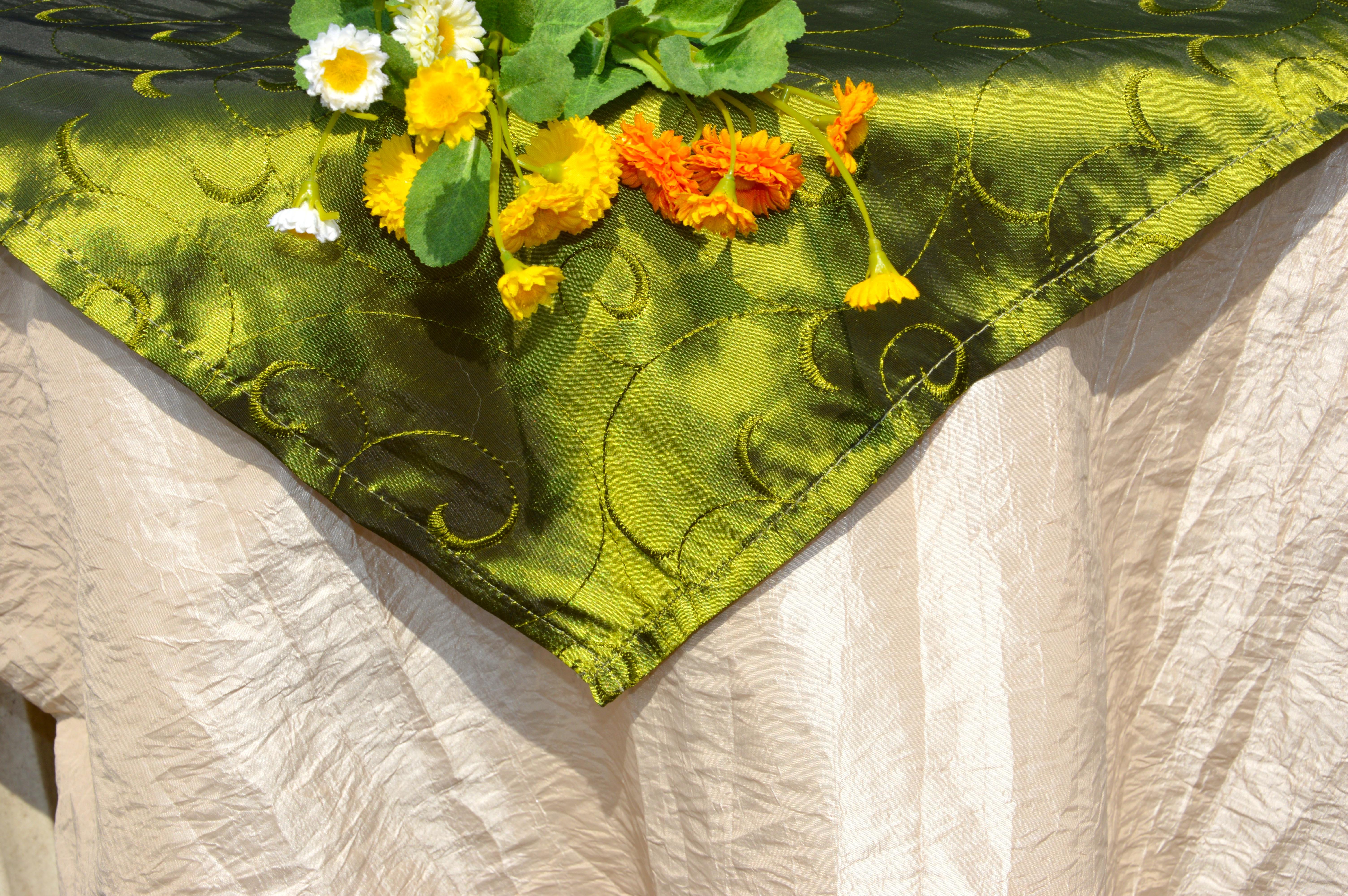 Olajzöld terítő egyszínű pamut asztalterítő Evidensbolt