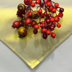 vKarácsonyi asztalterítő krém - arany lurex középpel
