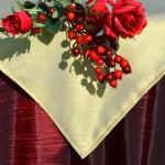 Karácsonyi asztalterítő bordó - arany lurex középpel