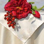 Karácsonyi asztalterítő krém - fehér lurex középpel