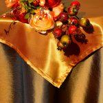 Asztalterítő - barna taft bronz középpel V.