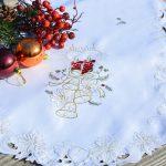 Karácsonyi terítő - bordó gyertyás (fehér)