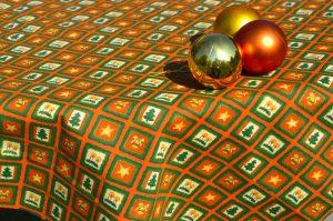 Karácsonyi asztalterítő - narancsszínű álom