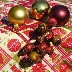 Karácsonyi asztalterítő - bordó mintával