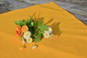 Sárga asztalközép - egyszínű terítő
