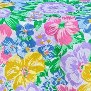 Halvány színű virágos terítő - pasztel virágos rét