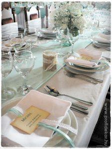 Esküvői asztalterítő-fehér, almazöld