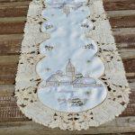 Karácsonyi futó terítő - havas templomos (110x40)