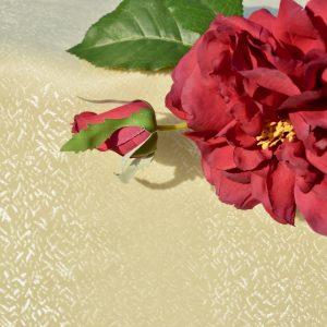 Egyszínű asztalterítő - krém, apró szövött mintás