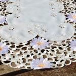 Asztali futó - margarétás terítő (tört fehér)