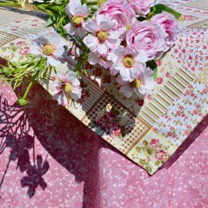 Asztalterítő II. - üde rózsaszín rózsás
