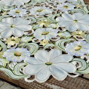 Asztali futó - krémszínű virágos 90x40cm