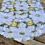Asztali futó - hófehér virágos