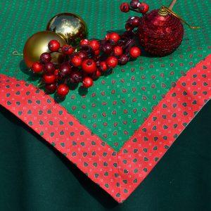 Asztalterítő garnitúra - zöld szivecskés