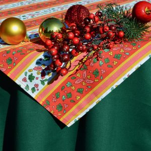 Karácsonyi asztalterítő - magyal mintás