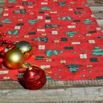 Karácsonyi asztali futó piros - karácsonyi mintás (140x40)