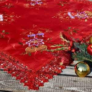 Piros karácsonyi terítő - piros csipkés 85x85cm