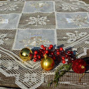 Karácsonyi terítő - harangos csipkés