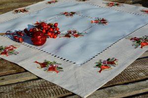 Harangos terítő - karácsonyi asztalközép 85x85 cm