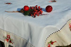 Hímzett karácsonyi abrosz - 220x150-es terítő