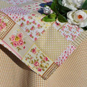 Asztalterítő garnitúra - kockák és rózsák