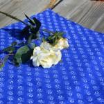 Kékfestő asztalközép terítő - margarétás mintás