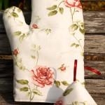 Edényfogó kesztyű: romantikus rózsás