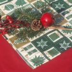 Karácsonyi terítő zöld - karácsonyi mintás